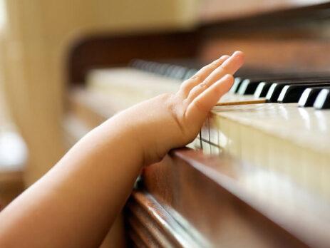 chon-mua-piano-phu-hop-cho-tre