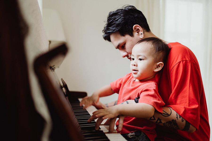 tre-hoc-dan-piano